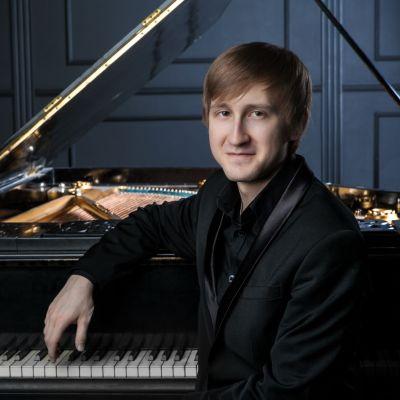 International_Prize_Winning_Pianist_Dmitry_Masleev